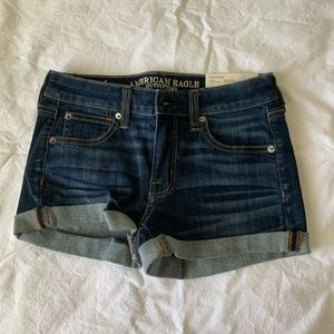 mid waisted american eagle jean shorts